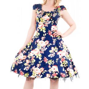 blauwe-jurk-met-bloemen-lang-cutout