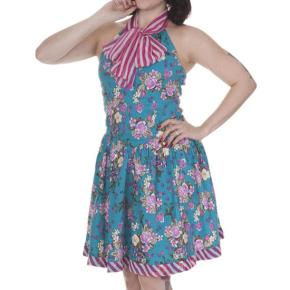 turqoise-kleedje-bloemen-strik-cutout